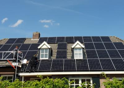 Zonnepanelen hellend en plat dak Etten-Leur