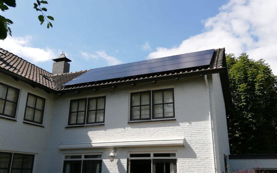 Sunpower zonnepanelen op hellend dak in Etten-Leur