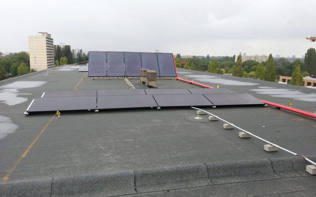 SunPower zonnepanelen plat dak VvE Amstelveen