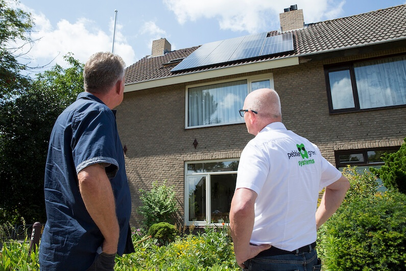 11 SunPower 350Wp zonnepanelen woning in Etten-Leur