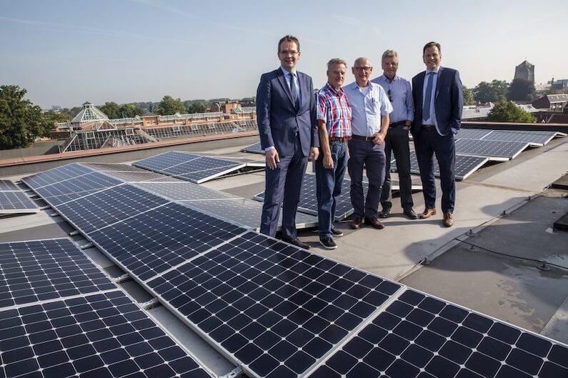 80 sunpower E19-zonnepanelen van 327Wp op een dak in Oosterhout