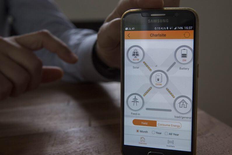 Zonnepanelen monitoring APP Solax omvormer in Den-Bosch
