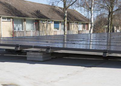Installatie 40 zonnepanelen op instelling